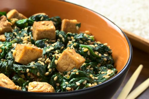Leaf spinach with tofu